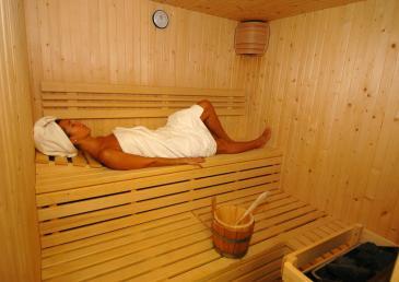 Sauna et bain à remous
